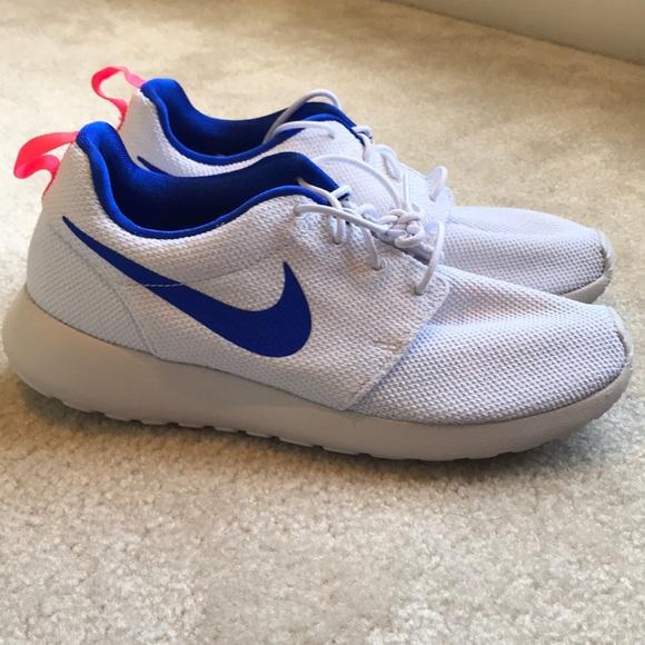 Men's Nike Roshe size 10.5